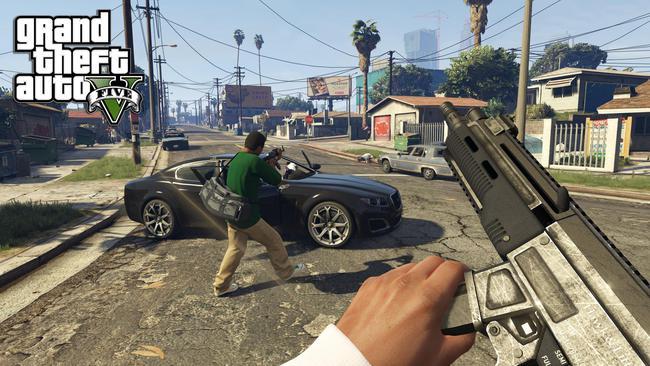 Photo of GTA V – شاهد ماذا يحصل أثناء زحمة المرور في اللعبة