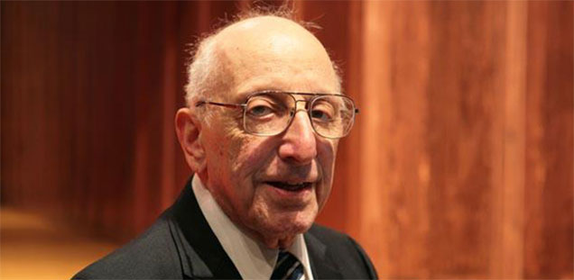 "Photo of Spiritual father and inventor of video games""Ralph Baer"" passes out at the age of 92"