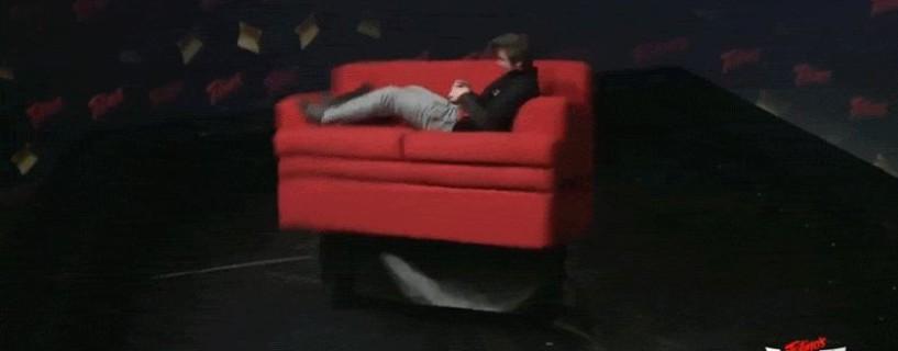 تحدي Twitch الجديد هذا يتضمن أريكة متحركة والكثير من Smash