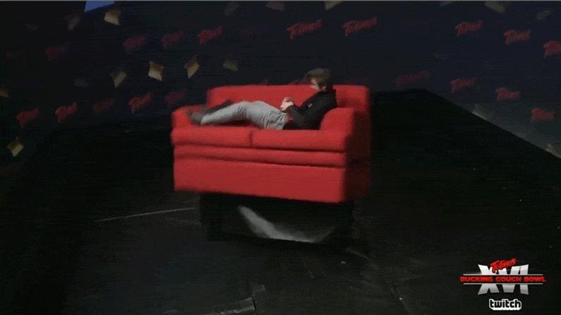 Photo of تحدي Twitch الجديد هذا يتضمن أريكة متحركة والكثير من Smash