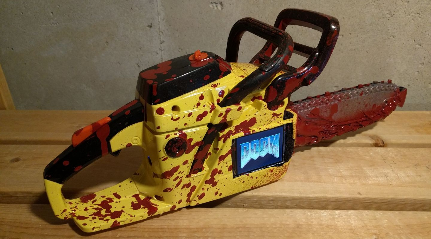 Photo of Watch how this guy ran DOOM on a chainsaw