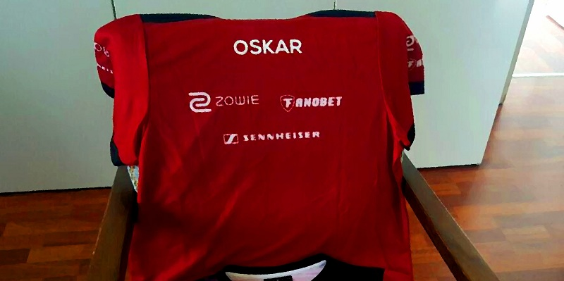 Photo of Oskar joins Mousesports at last