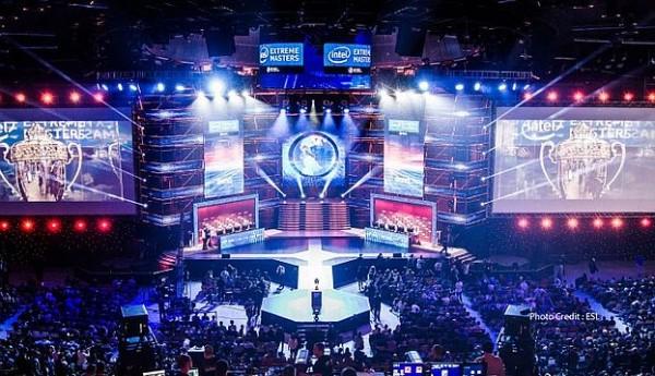 Photo of مؤسسة Yahoo Esports توقع عقداً مع ESL لتنظيم بطولات وفعاليات قادمة