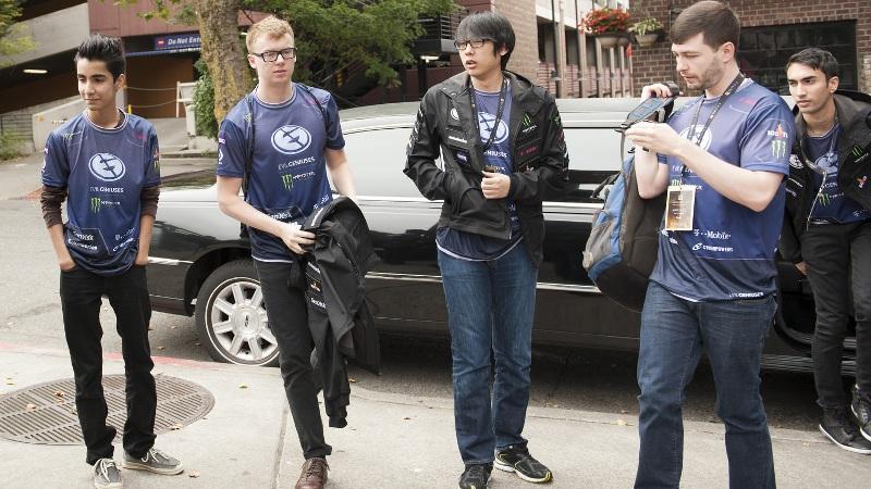 Photo of انتهاء فريق Evil Geniuses الحالي رسمياً مع خروج آخر لاعبين من الفريق