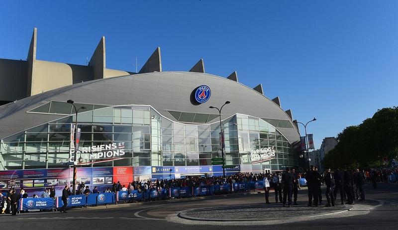 Photo of Paris Saint-Germain football club buys League of Legends team