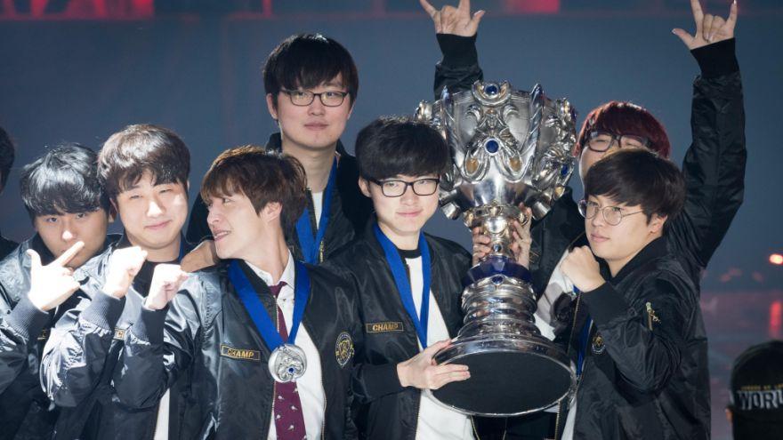 Photo of فريق SK Telecom يخرج منتصراً ويفوز ببطولة League World الثالثة له