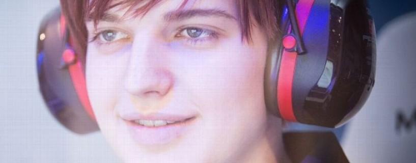 """اللاعبة """"Scarlett"""" تدخل موسوعة غينس كأكثر اللاعبات الإناث دخلاً في عالم الألعاب"""