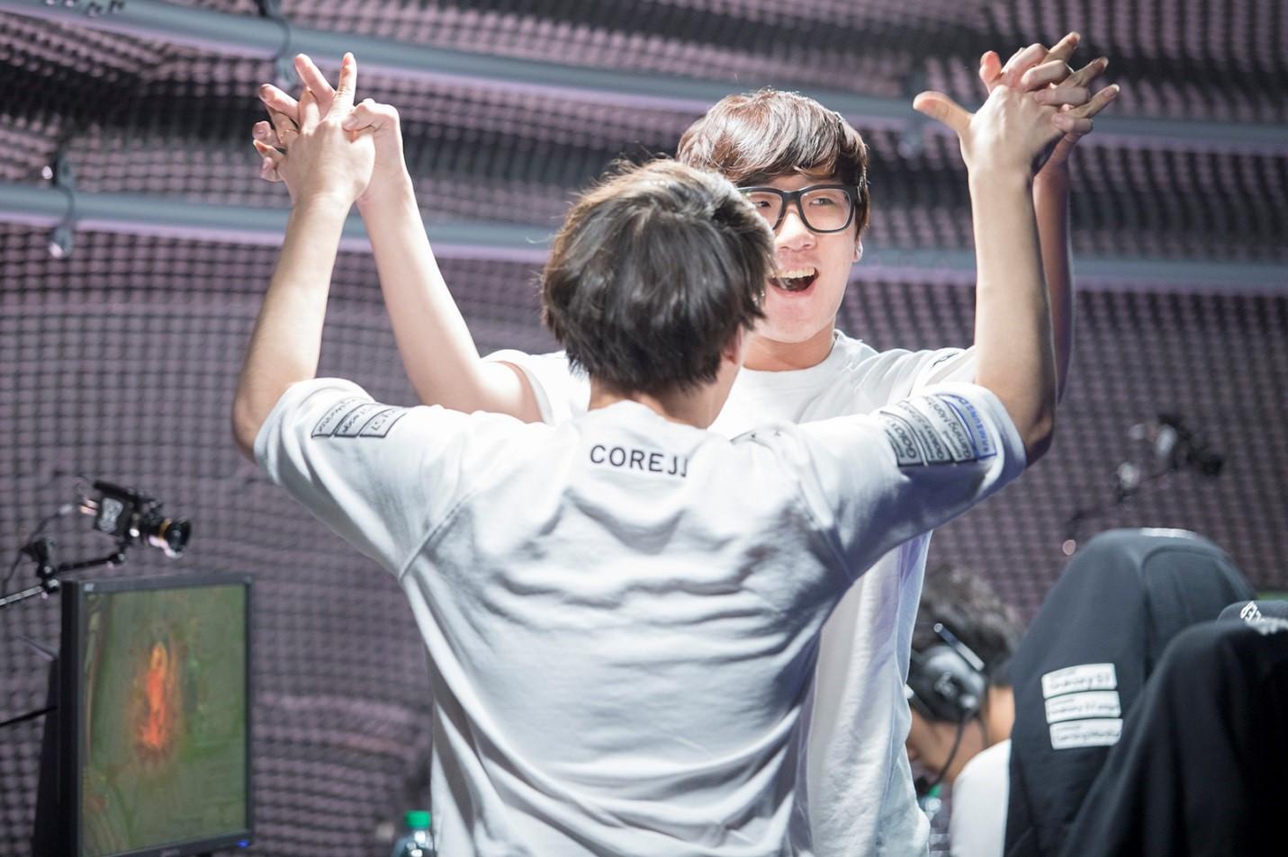 Photo of فريق Samsung Galaxy يحقق المستحيل ويتفوق على أفضل فرق العالم SK Telecom