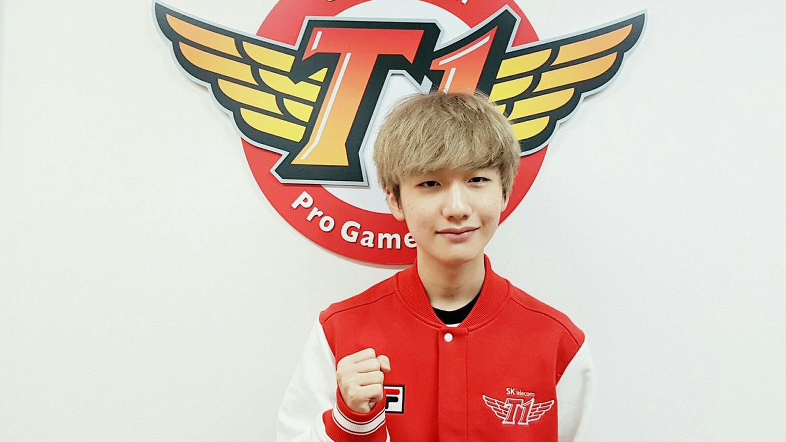 Photo of Player Peanut from SKT T1 Telecom put himself in a potentially embarrassing situation