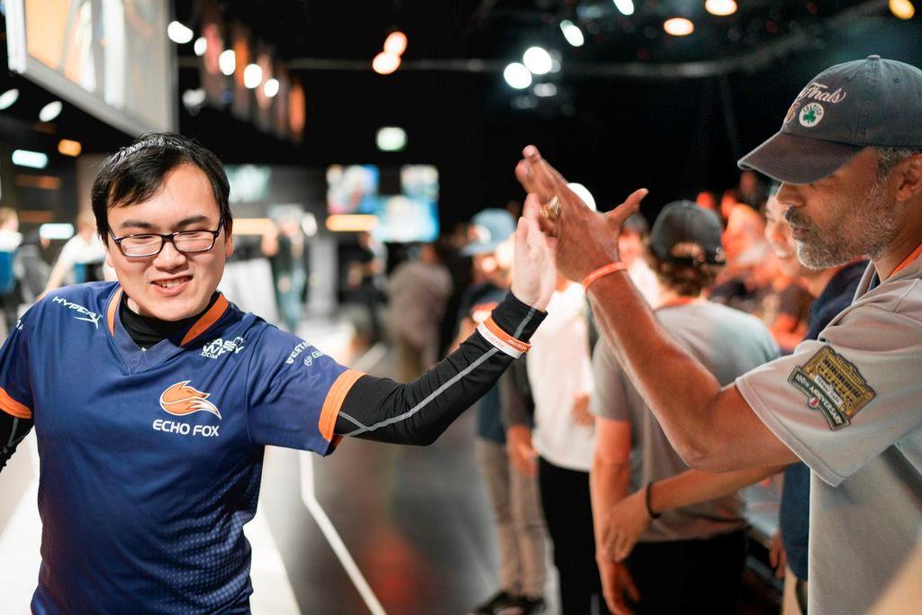 Photo of أحد لاعبي Echo Fox يعلن انضمامه لفريق Dignitas والمزيد