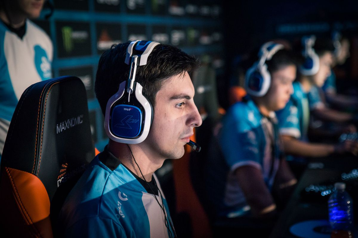 Photo of Shroud dives into full-time streaming as he becomes Cloud9 substitute