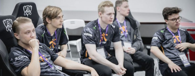 Starting Fnatic in the third day from Worlds in League of Legends