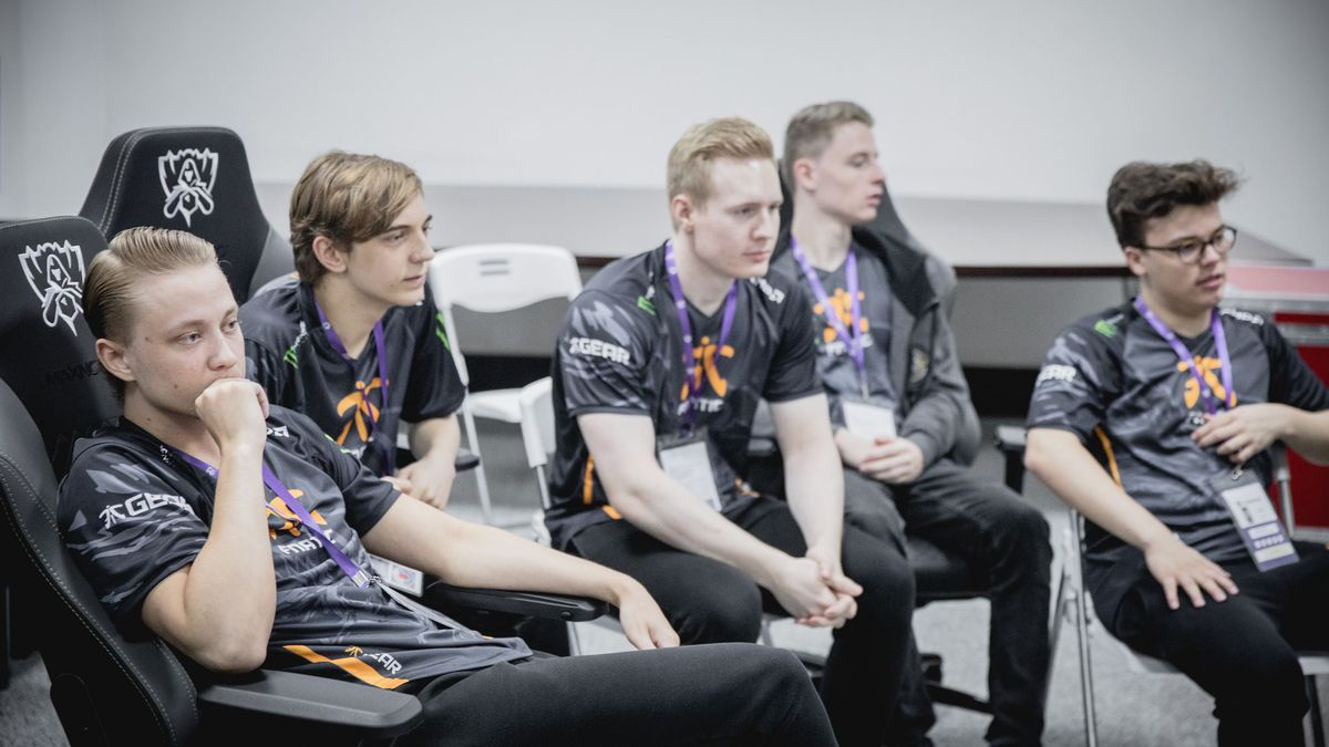 Photo of Starting Fnatic in the third day from Worlds in League of Legends