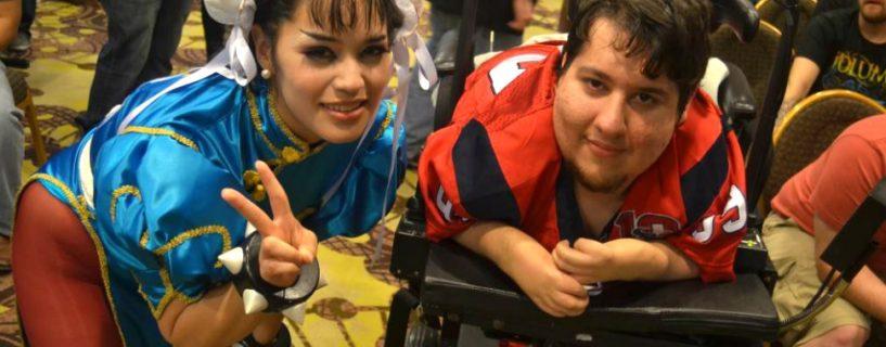 """قصة المقاتل الحقيقي """"Brolylegs"""": محترف Street Fighter الذي لم توقفه إعاقته عن التميز"""