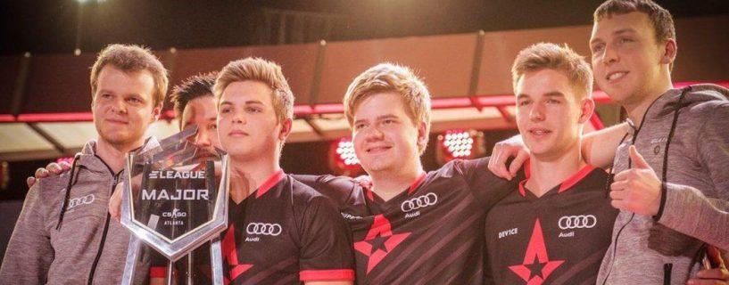 شركة Audi تصبح الشريك الرسمي لفريق من لاعبي الفيديو المحترفين