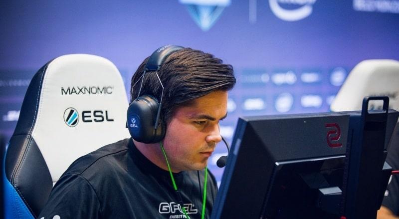 Photo of اللاعب cromen يفاجئ الجميع بقراره المتعلق بفريق FaZe للعبة CS: GO