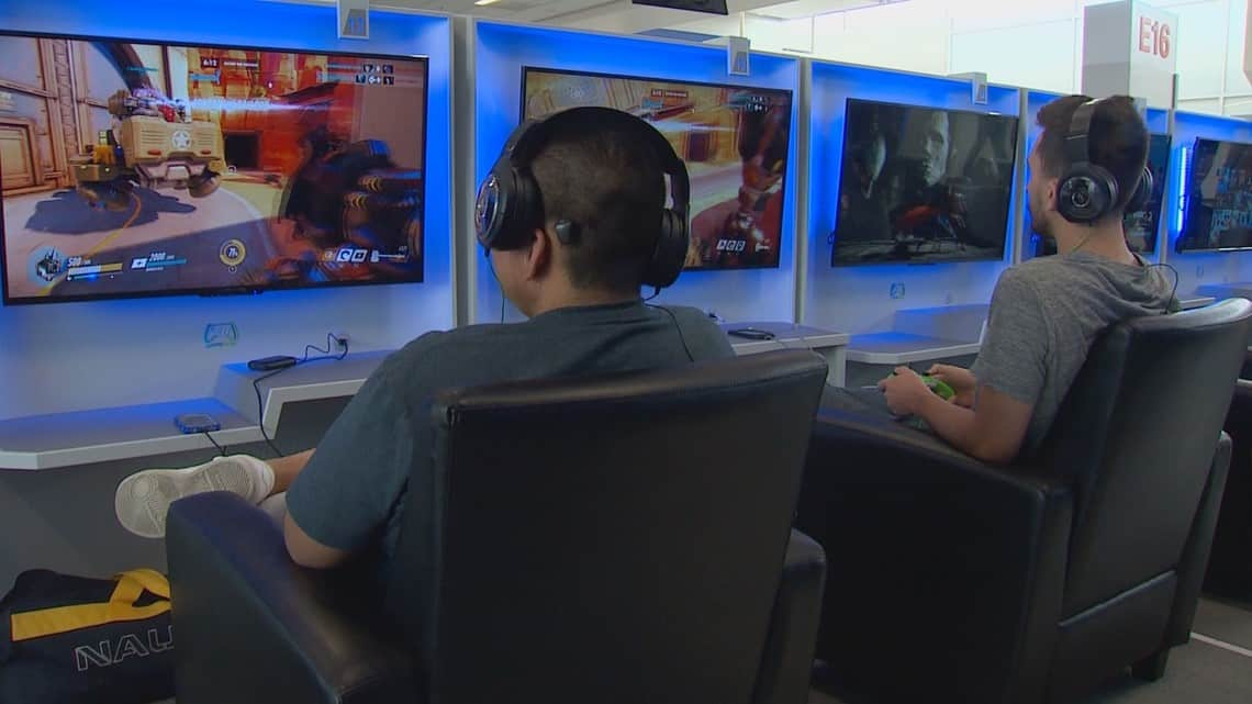 Photo of DFW International Airport is now serving gamers the best way to spend their waiting time