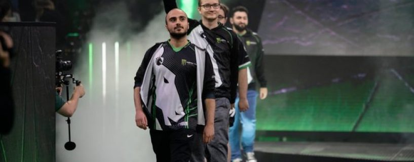 Former champion Team Liquid exits during the fifth day of the main event of The International 8