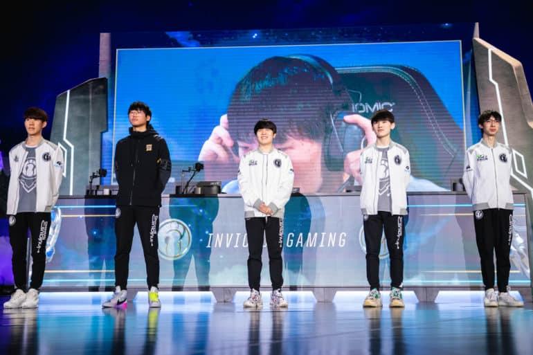 Photo of أداء رائع من فريق Invictus Gaming يأخذهم إلى الدور النصف نهائي في بطولة العالم Worlds 2018
