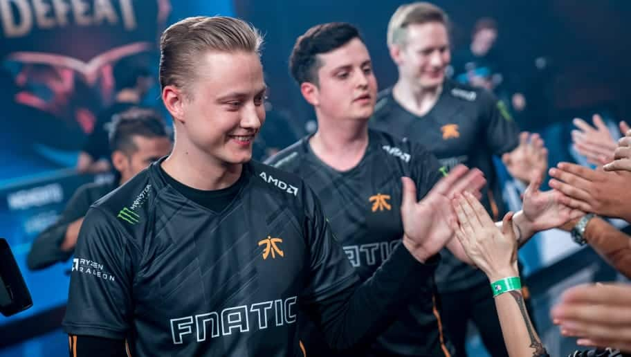 Photo of Fnatic on the way to Worlds 2018 finals and more with the semifinals ended
