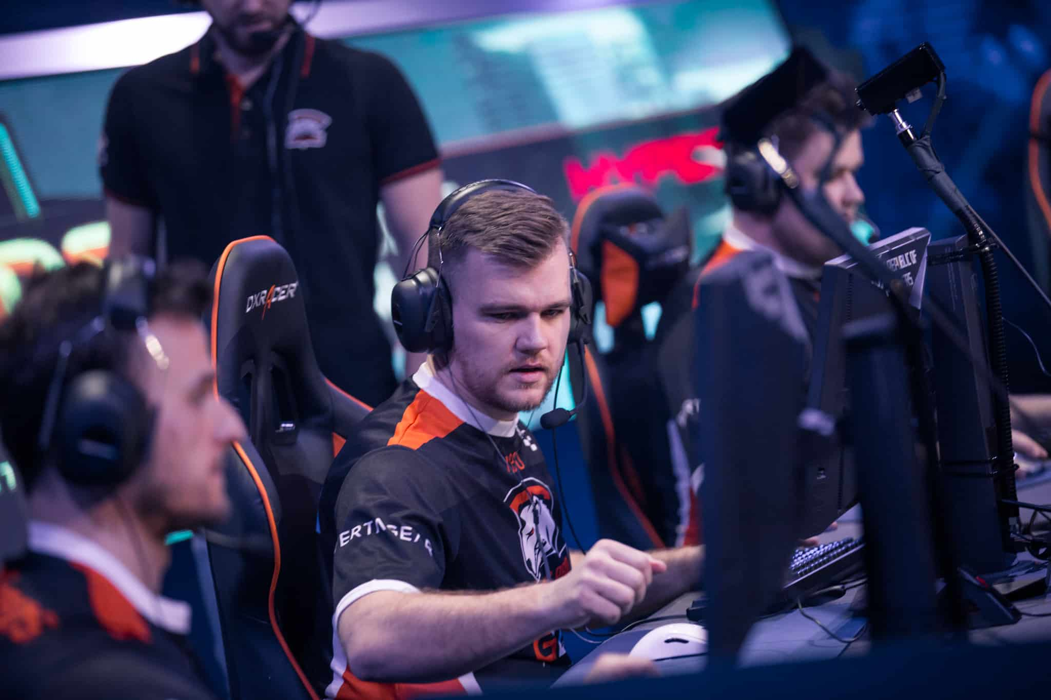Photo of PashaBiceps returns to competitive CS: GO and a surprising addition to FaZe Clan roster