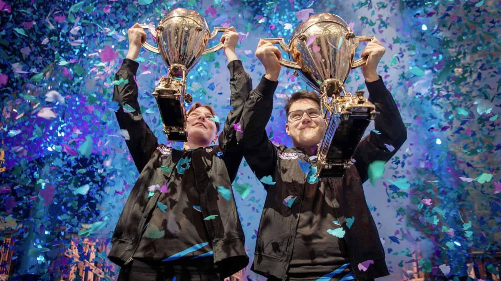 Photo of هؤلاء المراهقون قد ربحوا لتوهم ملايين الدولارات في كأس عالم Fortnite