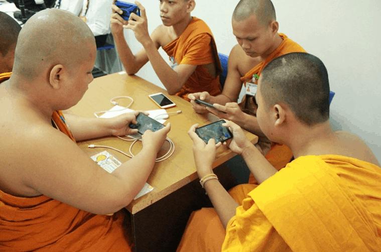 فوز رهبان محترفين ألعاب فيديو رياضة الكترونية monks-esports-win
