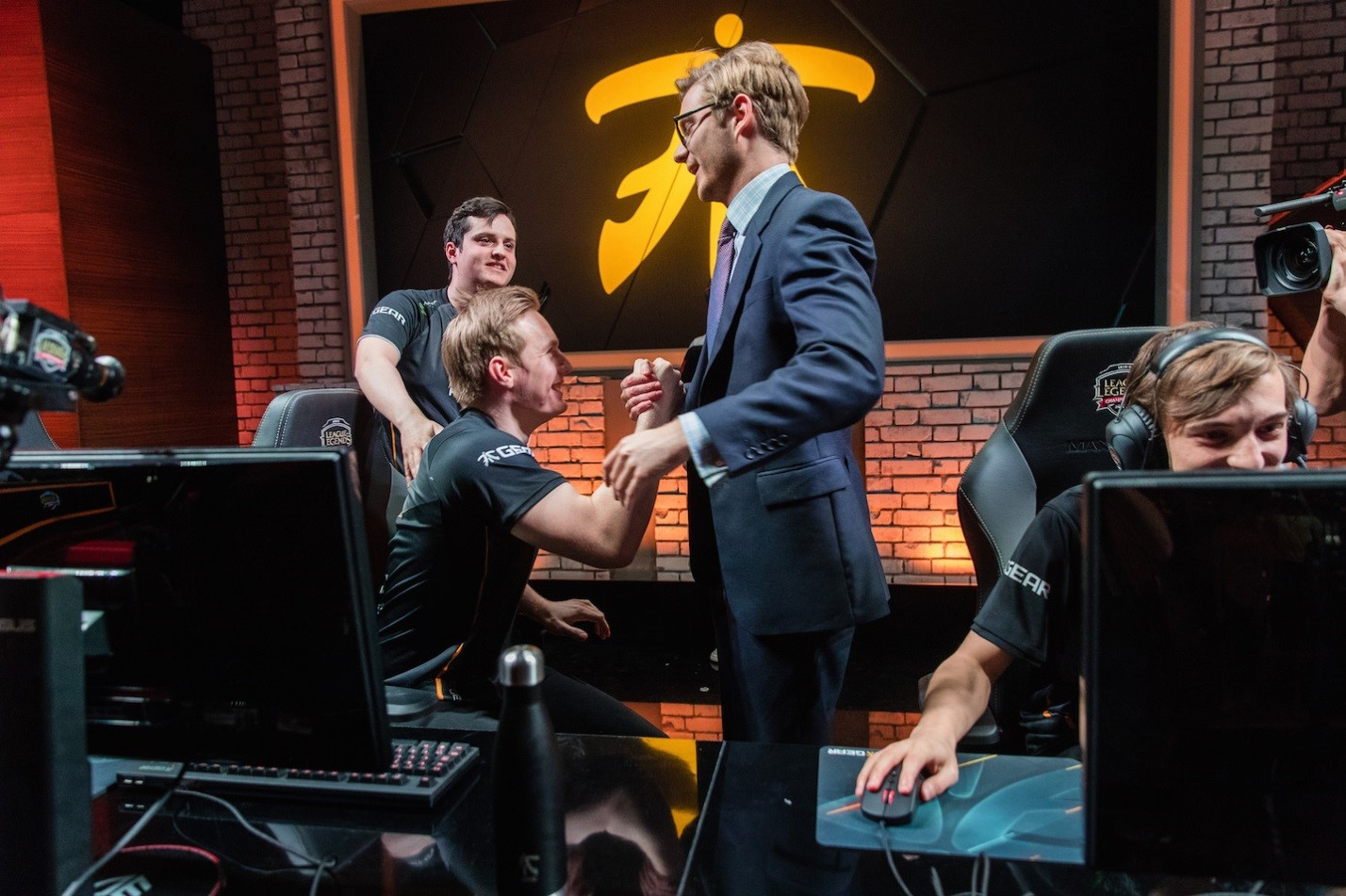 Fnatic claims EU LCS Playoff