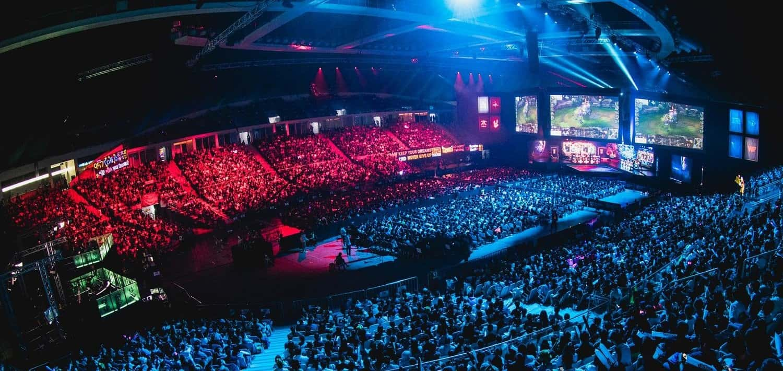 Photo of واحدة من أكبر شركات المعاملات المالية تصبح شريكاً رسمياً لمنافسات League of Legends