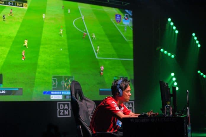 الرياضات الإلكترونية كرة قدم فرق حقيقية ألعاب الفيديو esports real teams soccer football